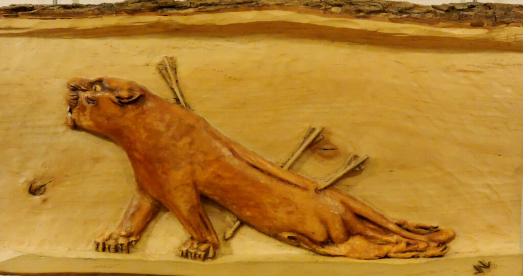 Leona herida. Alumno Escuela de Talla en madera Gubiarte