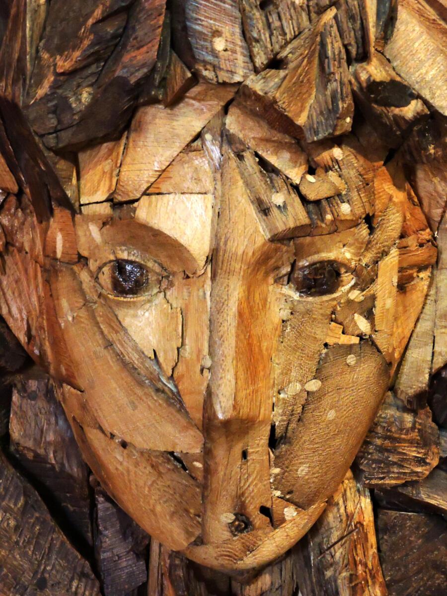Arlequín. Talla en madera. Gubiarte